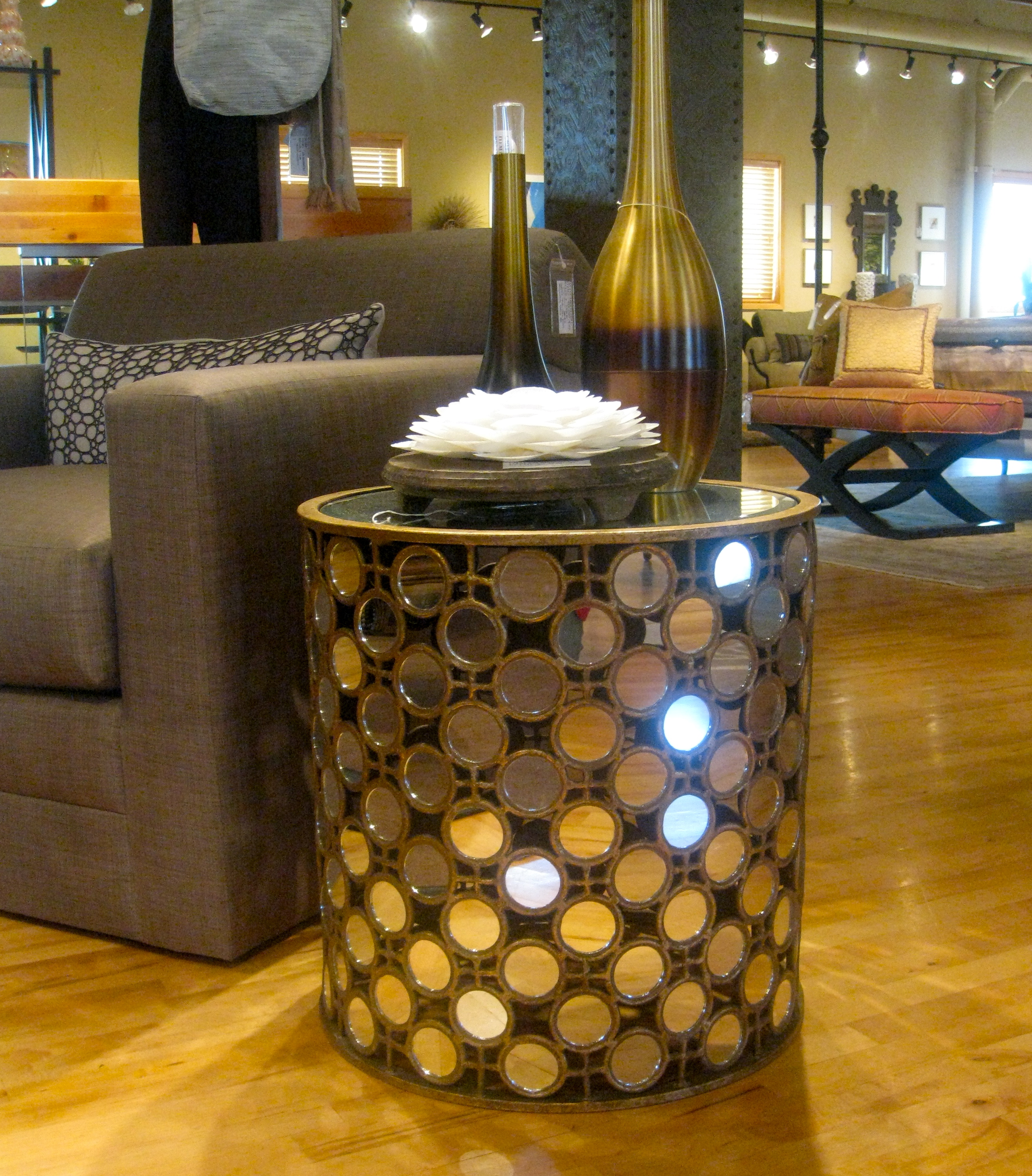 Hirshfield S Color Club: {friday Finds: Mirror, Mirror On The Table}
