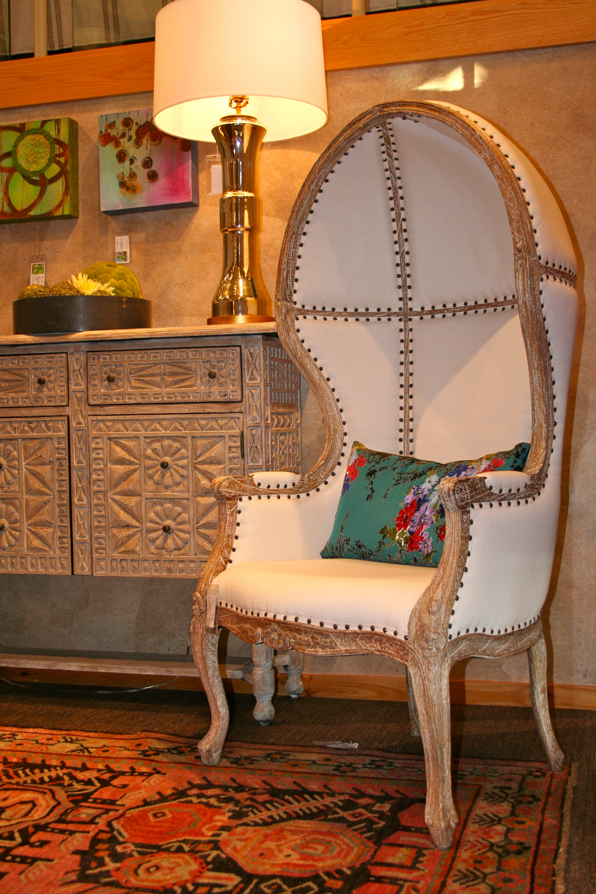 friday finds console & dome chair