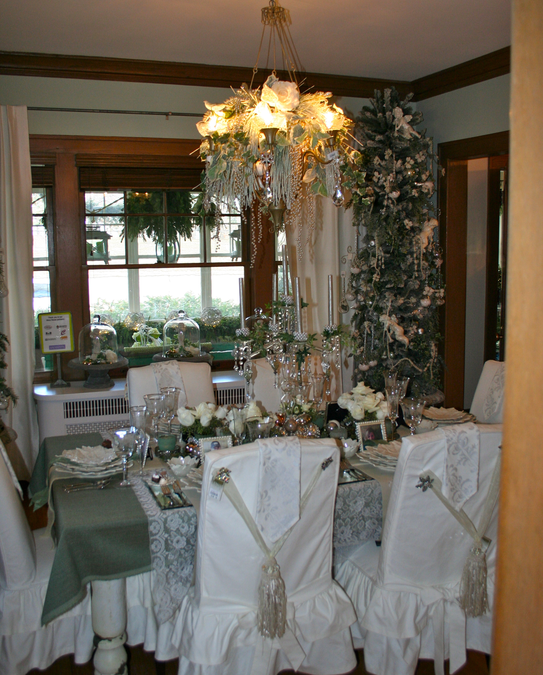 Hirshfield S Color Club: {friday Finds: Bachman's Holiday Ideas House 2011 ...