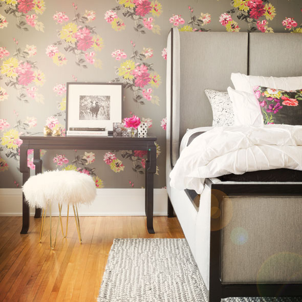 Designer Guild floral wallpaper
