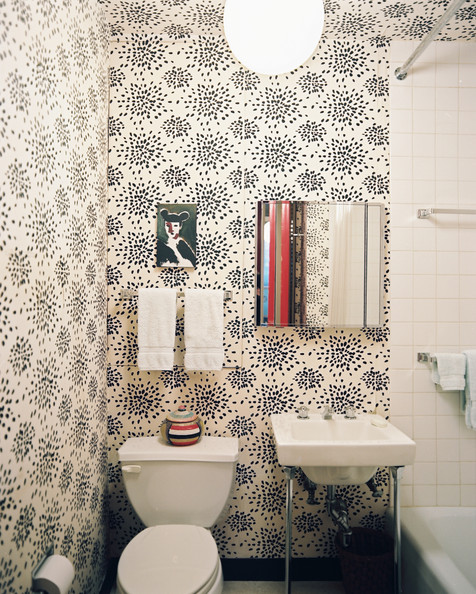 Small+Bathroom+Design+Black+white+patterned+JezkxxDSyXal