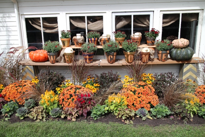 Outside the Bachman's Fall Ideas House 2014