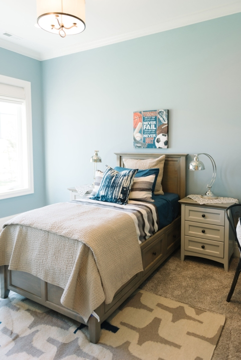 Benjamin Moore AC-22 Nantucket Fog Boy's bedroom